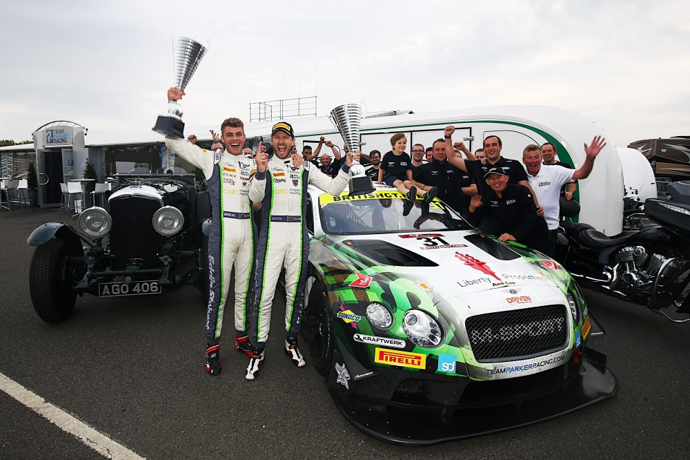 Parfitt Jnr and Morris crowned British GT3 champions as Johnston and Adam surrender their title in style at #DoningtonDecider