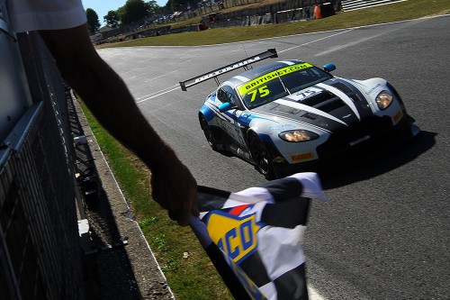 View article: Optimum's unstoppable Aston Martin claims victory at Brands while Balfe McLaren wins GT4
