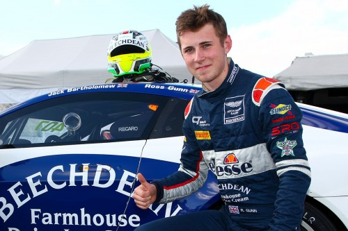 View article: Gunn steps in for Sorensen at Beechdean AMR for Donington
